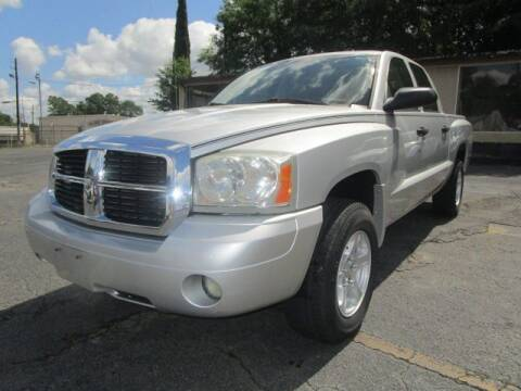 2006 Dodge Dakota for sale at Lewis Page Auto Brokers in Gainesville GA