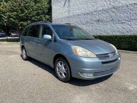 2005 Toyota Sienna for sale at Select Auto in Smithtown NY