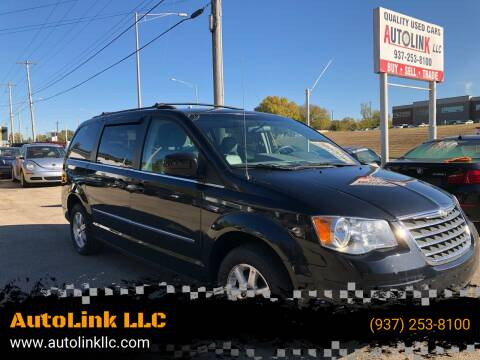 2009 Chrysler Town and Country for sale at AutoLink LLC in Dayton OH