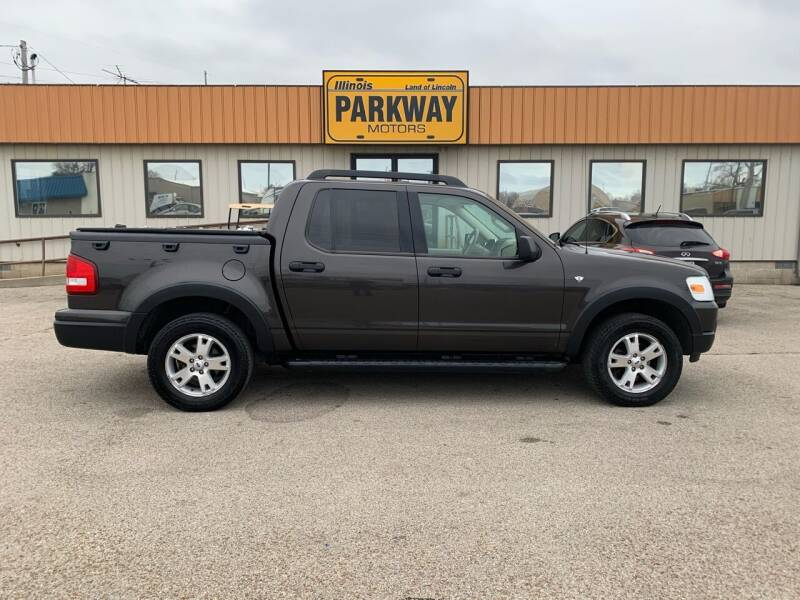 2007 Ford Explorer Sport Trac for sale at Parkway Motors in Springfield IL
