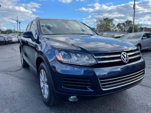 2013 Volkswagen Touareg for sale at Dixie Automart LLC in Hamilton OH