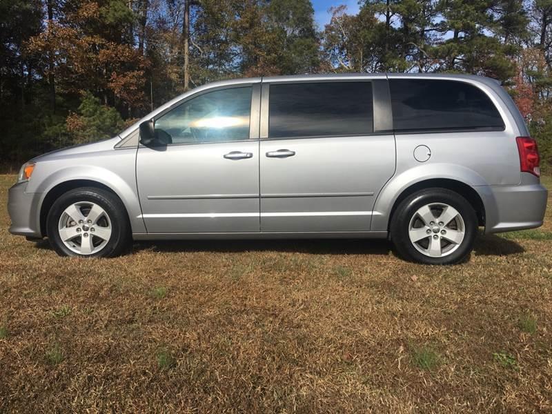 2013 Dodge Grand Caravan for sale at Harris Motors Inc in Saluda VA