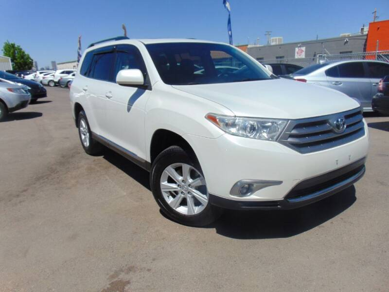 2012 Toyota Highlander for sale at Avalanche Auto Sales in Denver CO