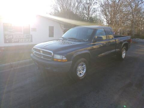 2004 Dodge Dakota for sale at TR MOTORS in Gastonia NC