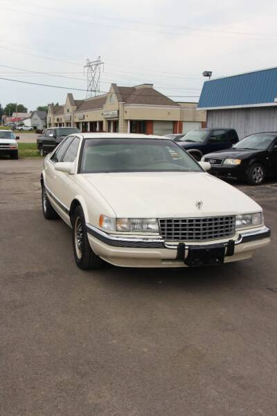 1993 Cadillac Seville for sale at RIDE NOW AUTO SALES INC in Medina OH