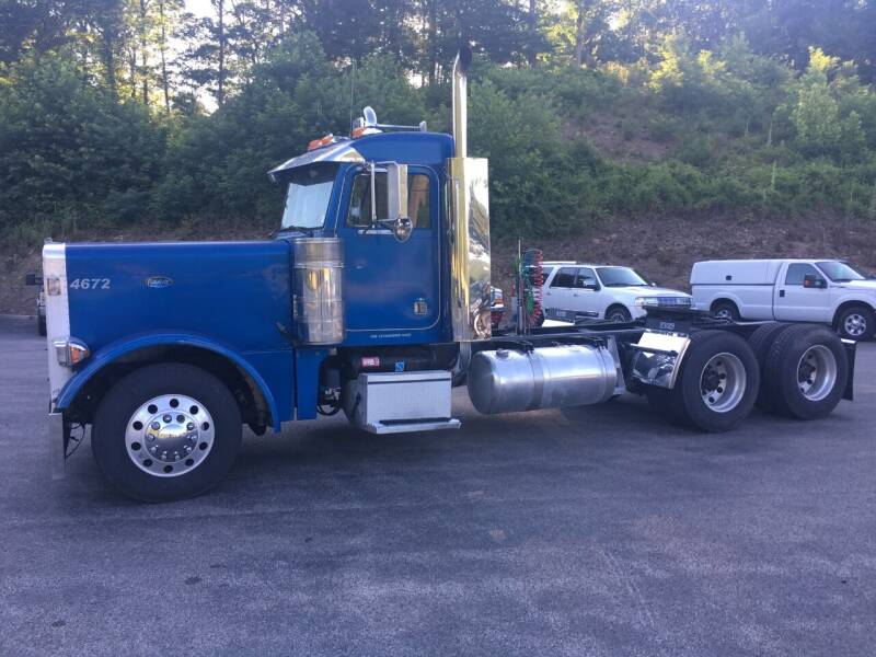2003 Peterbilt 379 for sale at Ted Davis Auto Sales in Riverton WV