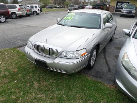 2006 Lincoln Town Car for sale at Credit Cars of NWA in Bentonville AR