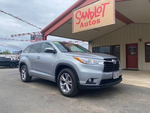 2015 Toyota Highlander for sale at Sandlot Autos in Tyler TX