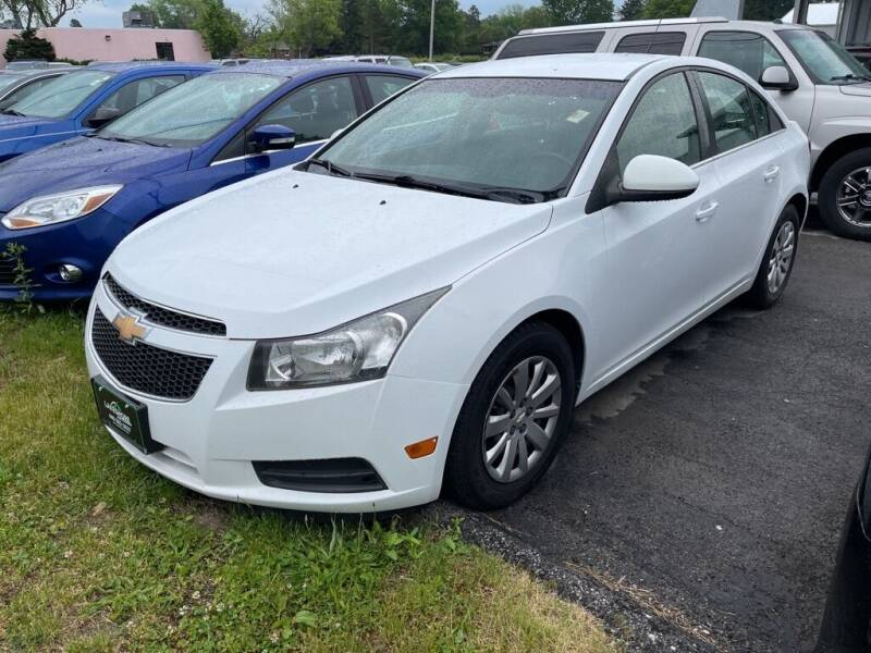 2011 Chevrolet Cruze for sale at Lakeshore Auto Wholesalers in Amherst OH