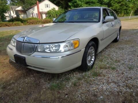 2000 Lincoln Town Car for sale at Liberty Motors in Chesapeake VA