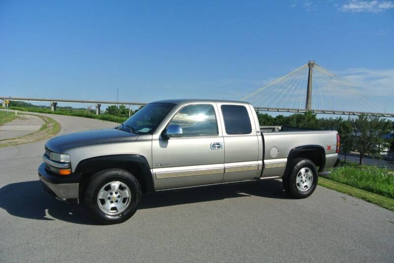 2001 Chevrolet Silverado 1500 for sale at BRADNICK PAST & PRESENT AUTO in Alton IL