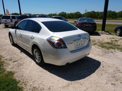 2009 Nissan Altima for sale at Knight Motor Company in Bryan TX