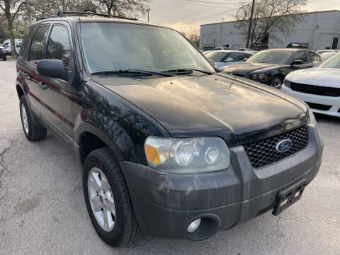 2007 Ford Escape for sale at PRESTIGE AUTOPLEX LLC in Austin TX