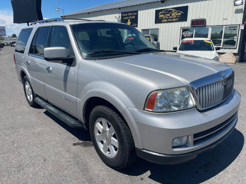 2005 Lincoln Navigator for sale at BELOW BOOK AUTO SALES in Idaho Falls ID