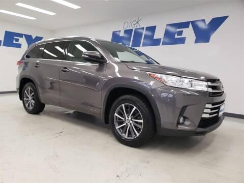 2017 Toyota Highlander for sale at HILEY MAZDA VOLKSWAGEN of ARLINGTON in Arlington TX