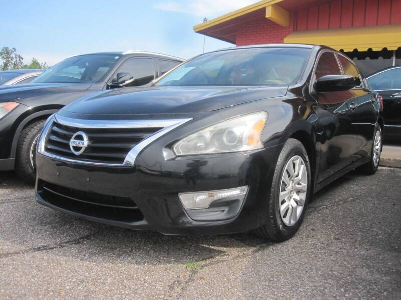 2013 Nissan Altima for sale at T & D Motor Company in Bethany OK