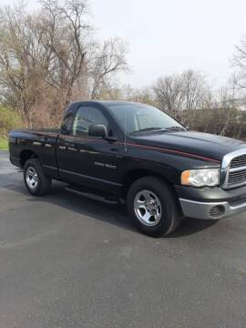 2005 Dodge Ram Pickup 1500 for sale at Bates Auto & Truck Center in Zanesville OH