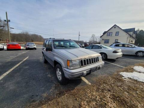 1995 Jeep Grand Cherokee for sale at Sussex County Auto & Trailer Exchange -$700 drives in Wantage NJ