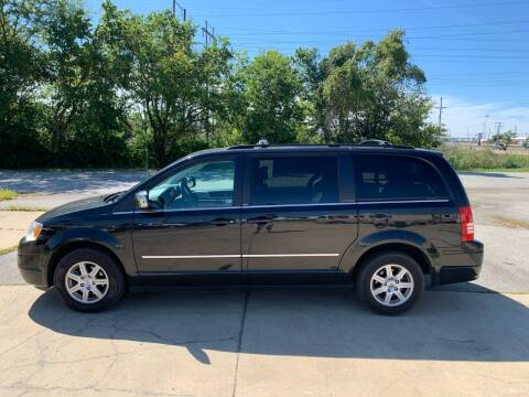 2010 Chrysler Town and Country for sale at Elite Auto Plaza in Springfield IL