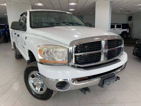 2006 Dodge Ram Pickup 2500 for sale at Auto Mall of Springfield in Springfield IL