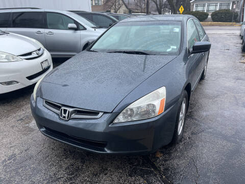 2004 Honda Accord for sale at Best Deal Motors in Saint Charles MO