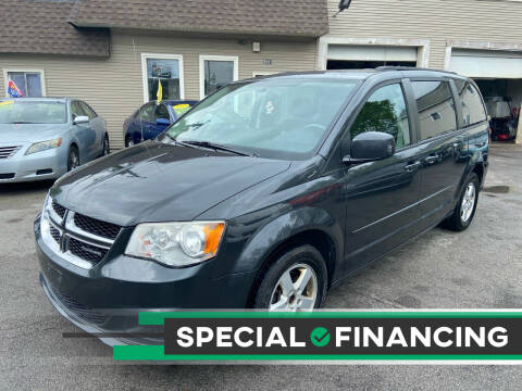 2012 Dodge Grand Caravan for sale at Global Auto Finance & Lease INC in Maywood IL