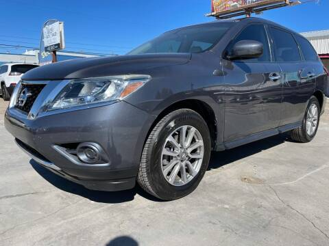 2014 Nissan Pathfinder for sale at MAGIC AUTO SALES, LLC in Nampa ID