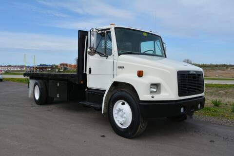 2001 Freightliner FL70 for sale at Signature Truck Center in Crystal Lake IL