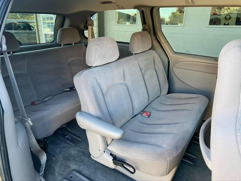 2002 Dodge Grand Caravan Sport 4dr Extended Mini-Van - Bend OR