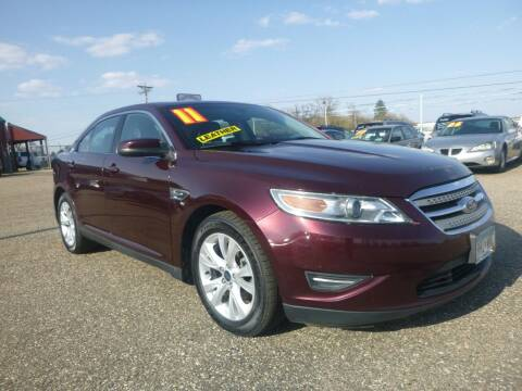 2011 Ford Taurus for sale at Country Side Car Sales in Elk River MN