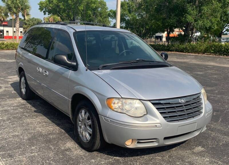 2005 Chrysler Town and Country for sale at Cobalt Cars in Atlanta GA
