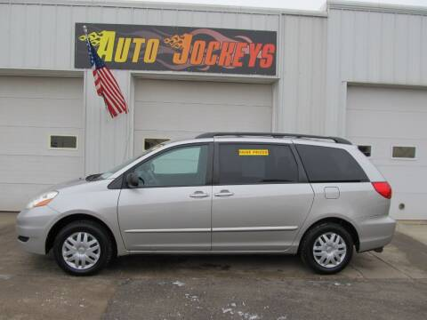 2007 Toyota Sienna for sale at AUTO JOCKEYS LLC in Merrill WI
