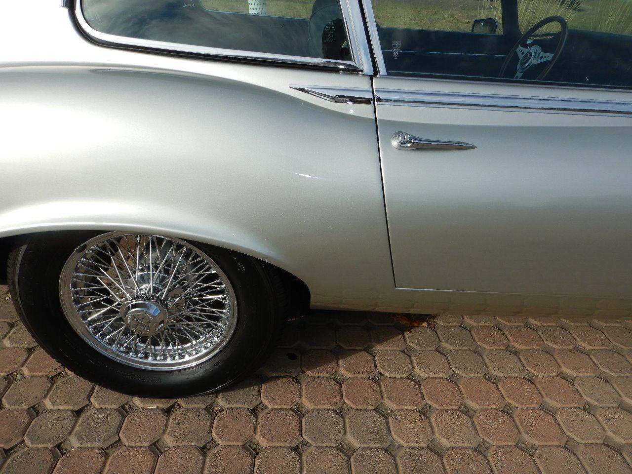 1973 Jaguar XKE 35