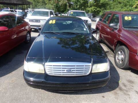 2005 Ford Crown Victoria for sale at Alabama Auto Sales in Semmes AL