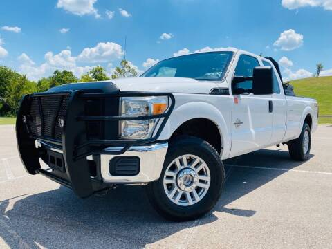 2013 Ford F-250 Super Duty for sale at AUTO DIRECT in Houston TX