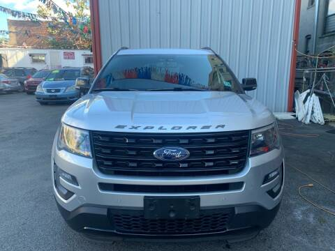 2017 Ford Explorer for sale at Gallery Auto Sales in Bronx NY