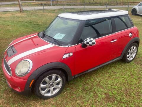 2009 MINI Cooper for sale at UpCountry Motors in Taylors SC