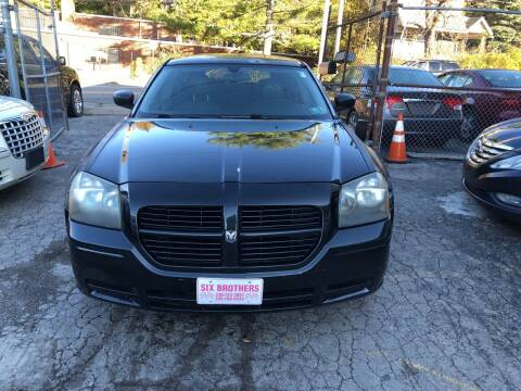 2005 Dodge Magnum for sale at Six Brothers Auto Sales in Youngstown OH