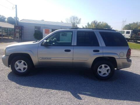 2002 Chevrolet TrailBlazer for sale at CAR-MART AUTO SALES in Maryville TN