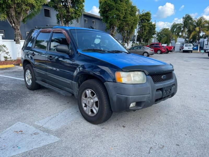 2003 Ford Escape for sale at Global Auto Sales USA in Miami FL