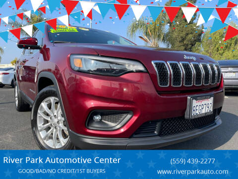 2019 Jeep Cherokee for sale at River Park Automotive Center in Fresno CA