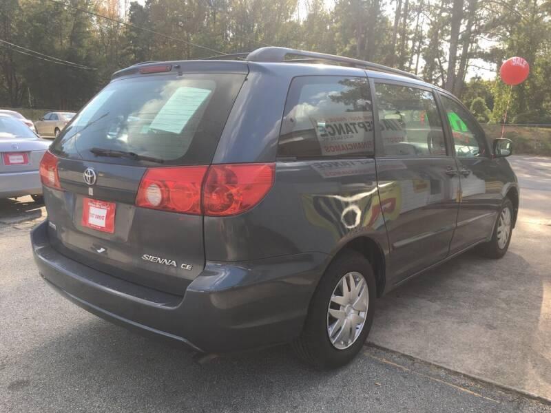 2006 Toyota Sienna CE 8-Passenger 4dr Mini-Van - Douglasville GA