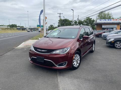 2017 Chrysler Pacifica for sale at CARMART Of New Castle in New Castle DE