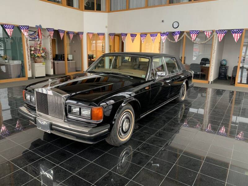 1988 Rolls-Royce Silver Spur for sale at Raytown Auto Mall Enterprise in Raytown MO