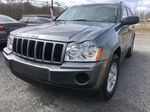 2007 Jeep Grand Cherokee for sale at AUTO OUTLET in Taunton MA