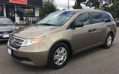 2011 Honda Odyssey for sale at Universal Auto INC in Salem OR