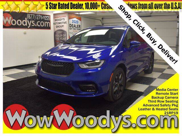 2021 Chrysler Pacifica for sale at WOODY'S AUTOMOTIVE GROUP in Chillicothe MO
