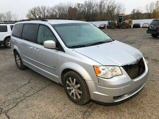 2009 Chrysler Town and Country for sale at WELLER BUDGET LOT in Grand Rapids MI