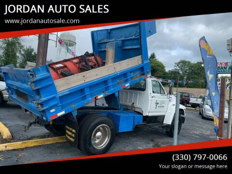 1997 Ford F-800 for sale at JORDAN AUTO SALES in Youngstown OH