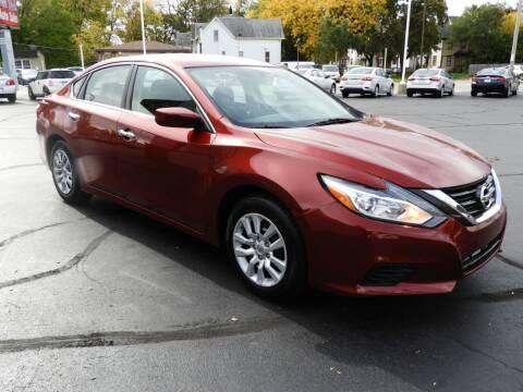 2018 Nissan Altima for sale at Grant Park Auto Sales in Rockford IL